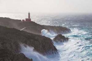 La punta Carena, estremo sud-ovest dell'isola è la più battuta dalle mareggiate di ponente